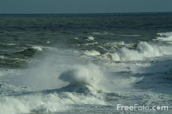 Picture of Wave, The North Sea, Whitley Bay, Tyne and Wear - Free Pictures - FreeFoto.com