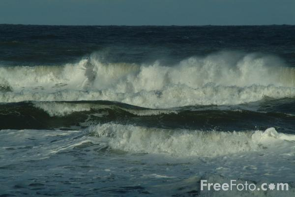 Picture of Waves, The North Sea, Whitley Bay, Tyne and Wear - Free Pictures - FreeFoto.com