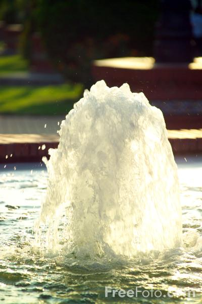 Picture of Fountain - Free Pictures - FreeFoto.com