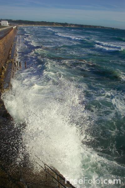 Picture of Sea and Waves - Free Pictures - FreeFoto.com