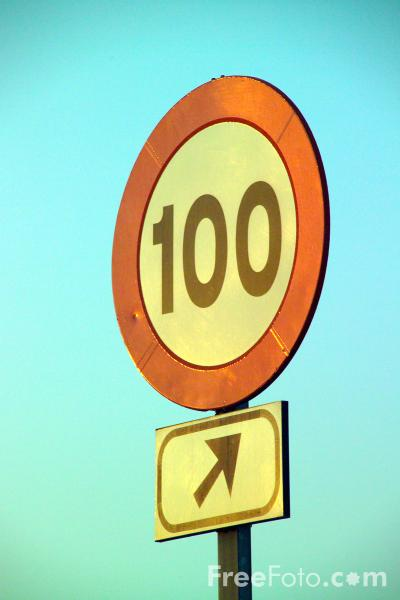 Picture of 100 kph Speed Road Sign - Free Pictures - FreeFoto.com