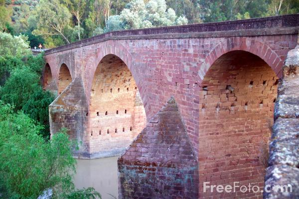 Picture of Bridge, Rio Guadalquivir, Cordoba, Spain - Free Pictures - FreeFoto.com