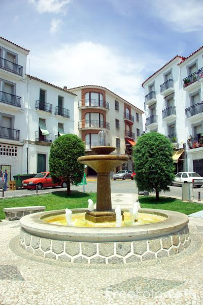 Picture of Fountain, Pozoblanco - Free Pictures - FreeFoto.com