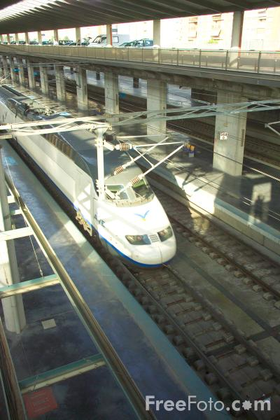 Picture of AVE Spain High Speed Rail Train, Cordoba, Spain - Free Pictures - FreeFoto.com