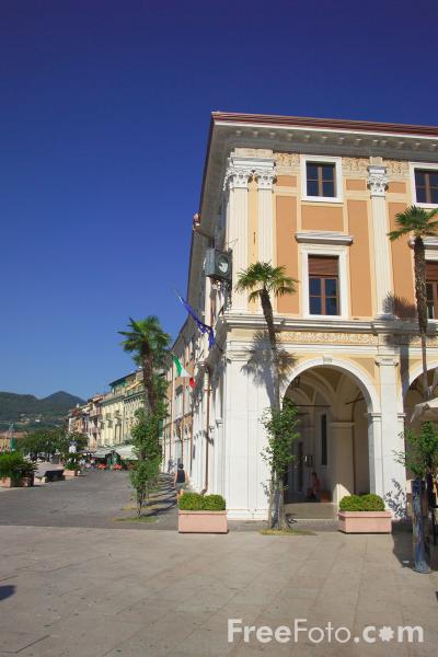 Picture of Palazzo of the Magnifica Patria, Salò, Lago di Garda, Italia - Free Pictures - FreeFoto.com
