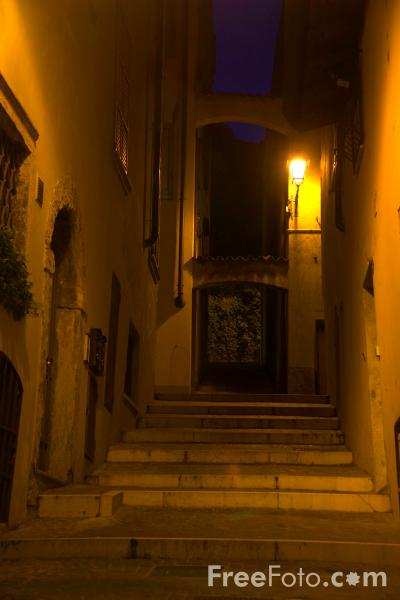Picture of Salo at night, Lake Garda, Italy - Salò, Lago di Garda, Italia - Free Pictures - FreeFoto.com
