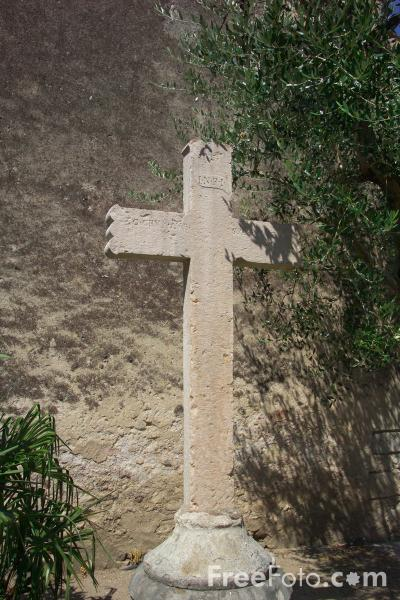 Picture of Stone Cross, Lazise, Lake Garda, Italy - Free Pictures - FreeFoto.com