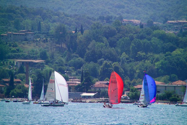 Picture of Sailing, Lake Garda, Italy - sport dell'acqua, Italia - Free Pictures - FreeFoto.com