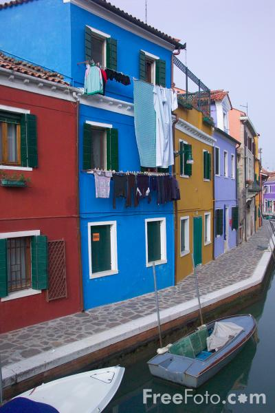 Picture of Burano, Venice, Italy - Free Pictures - FreeFoto.com