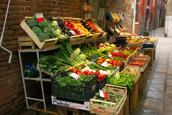 Fruit and Vegetable Shop, Venice, Italy - Venezia, Italia pictures ...