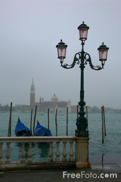Picture of Saint Mark's Square, Venice, Italy - Piazza San Marco, Venezia, Italia - Free Pictures - FreeFoto.com