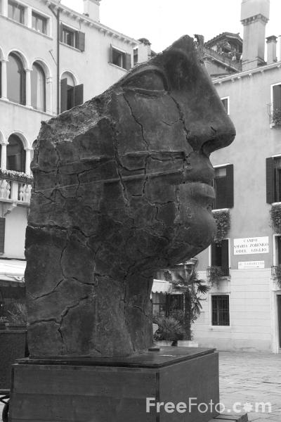 Picture of Sculpture, Venice, Italy - Venezia, Italia - Free Pictures - FreeFoto.com