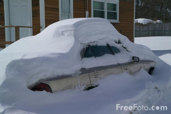 Picture of Snow covered automobile / car, New Hampshire, USA - Free Pictures - FreeFoto.com