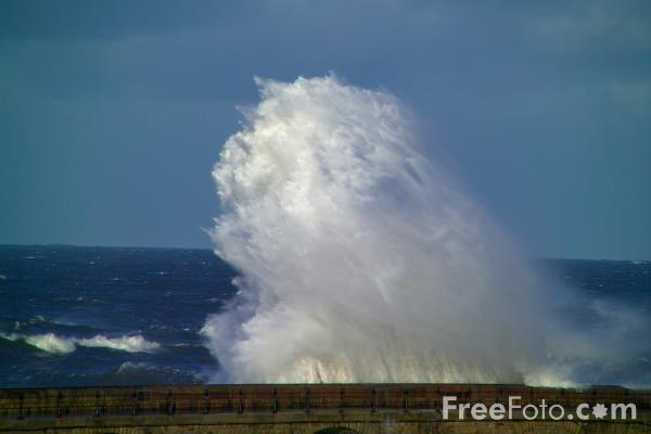 Picture of Rough Sea - Free Pictures - FreeFoto.com