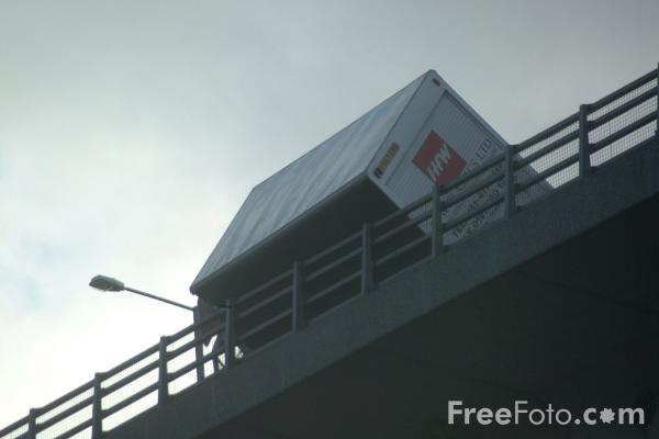 Picture of Lorry blown over on the Redheugh Bridge, Newcastle upon Tyne - Free Pictures - FreeFoto.com