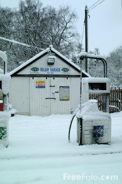 Picture of Belsay Garage in the snow - Free Pictures - FreeFoto.com