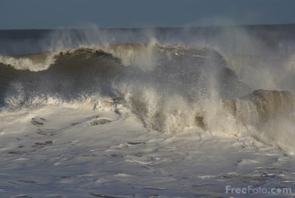Picture of Rough Seas - Free Pictures - FreeFoto.com