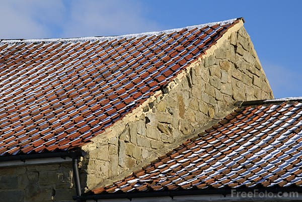 Picture of Snow covered roof tiles - Free Pictures - FreeFoto.com