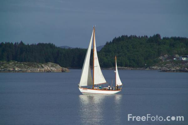 Picture of Yacht near Bergen, Norway - Free Pictures - FreeFoto.com