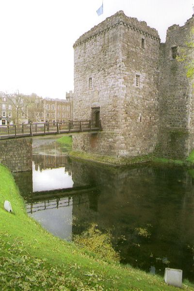 Picture of Rothesay Castle - Free Pictures - FreeFoto.com
