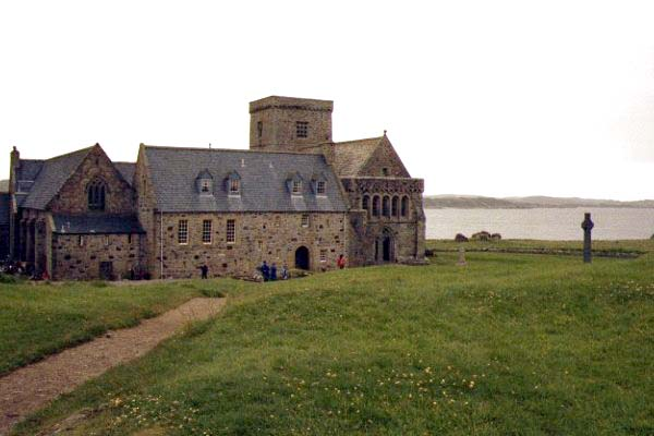 Picture of Abbey, Iona, Scotland - Free Pictures - FreeFoto.com