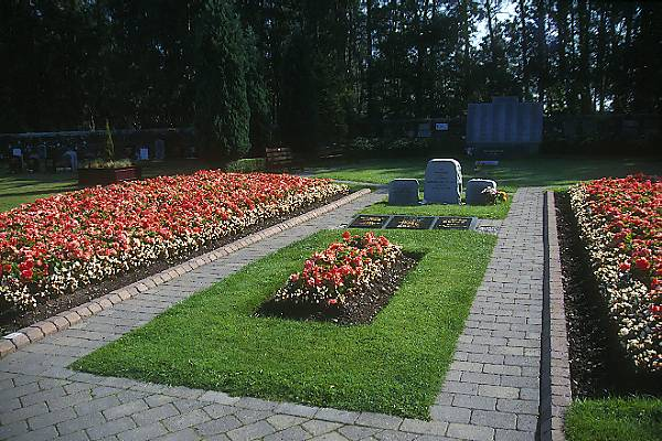 Picture of Garden of Remembrance, Lockerbie - Free Pictures - FreeFoto.com