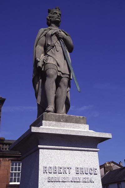 Picture of Robert the Bruce Statue, Lochmaben - Free Pictures - FreeFoto.com