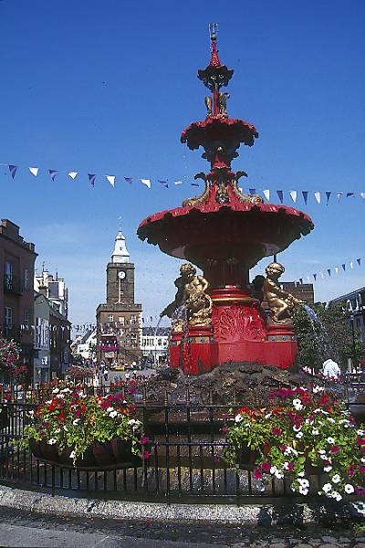 Picture of Fountain, Dumfries - Free Pictures - FreeFoto.com
