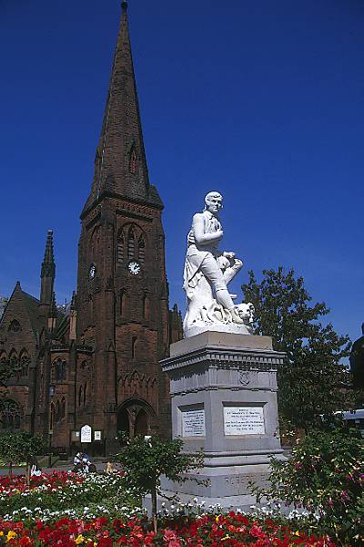Picture of Robert Burns Statue, Dumfries - Free Pictures - FreeFoto.com