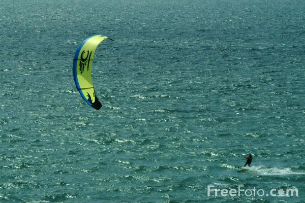 Picture of Kite surfing - Free Pictures - FreeFoto.com