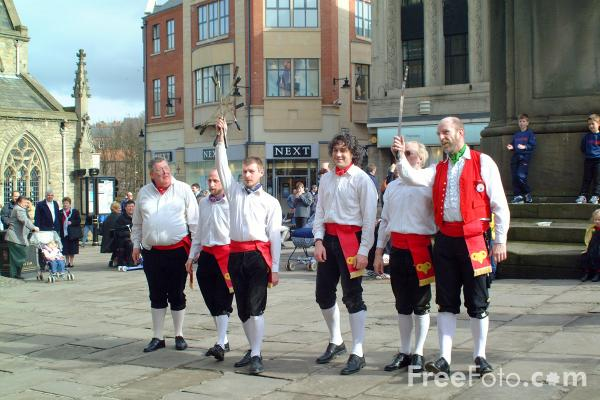 Picture of The Durham Rams Sword and Morris Men - Free Pictures - FreeFoto.com