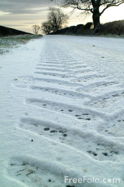 Picture of Snow Covered Road - Free Pictures - FreeFoto.com