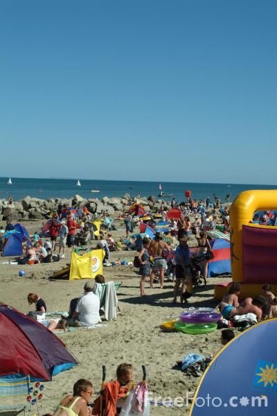 Picture of English Seaside in the Summer - Free Pictures - FreeFoto.com