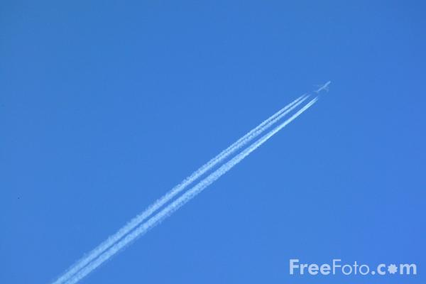 Picture of Jet Aircraft flying overhead - Free Pictures - FreeFoto.com