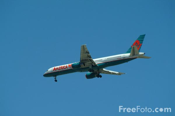 Picture of America West Airlines Boeing 757 N903AW - Free Pictures - FreeFoto.com
