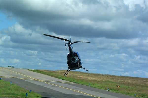 Picture of Northumbria Helicopters Robinson R.22B - Free Pictures - FreeFoto.com