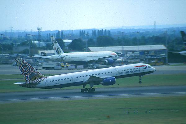 Picture of Heathrow Airport - Free Pictures - FreeFoto.com