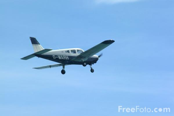 Picture of Piper PA-28-161 Warrior II G-WARH, Newcastle upon Tyne Aero Club - Free Pictures - FreeFoto.com