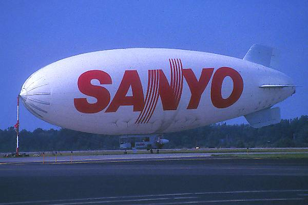 Picture of Sanyo Airship - Free Pictures - FreeFoto.com