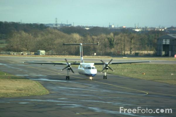 Picture of Brymon Airways British Airways Express Dash 8 G-BRYM - Free Pictures - FreeFoto.com