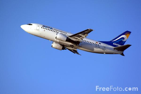 Picture of Sata International Boeing 737-300 CS-TGR - Free Pictures - FreeFoto.com