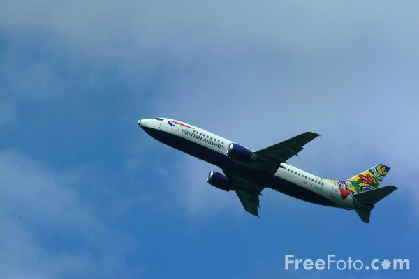 Picture of British Airways Boeing B737-400 G-DOCE displaying the 'Bloomsterang' livery. - Free Pictures - FreeFoto.com
