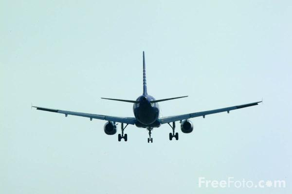 Picture of Airtours Airbus A320 - Free Pictures - FreeFoto.com