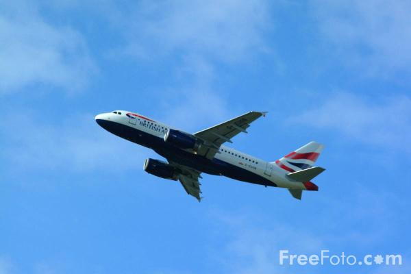Picture of British Airways Airbus A319 G-EUOB - Free Pictures - FreeFoto.com