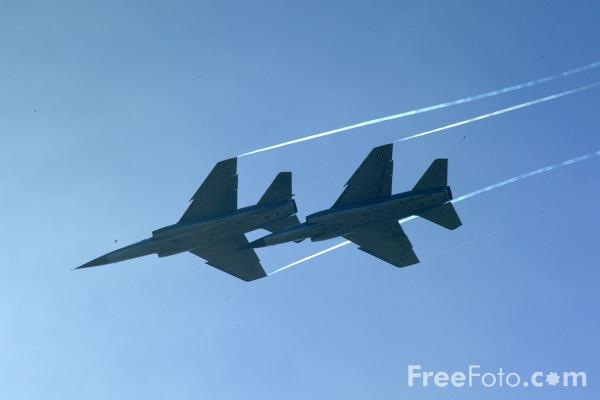 Picture of French Air Force Dassault Mirage F1C, Voltige Victor Team, RAF Leuchars Airshow - Free Pictures - FreeFoto.com