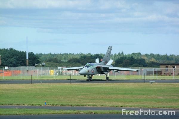 Picture of RAF Leuchars Airshow - Free Pictures - FreeFoto.com