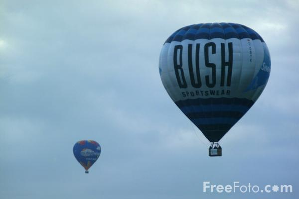 Picture of BUSH Sportswear Hot Air Balloon - Free Pictures - FreeFoto.com