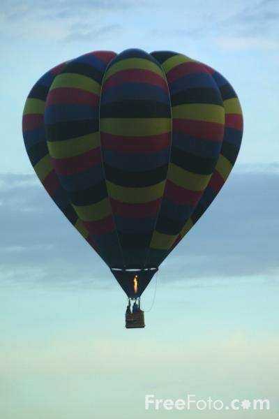 Picture of Hot Air Balloon - Free Pictures - FreeFoto.com