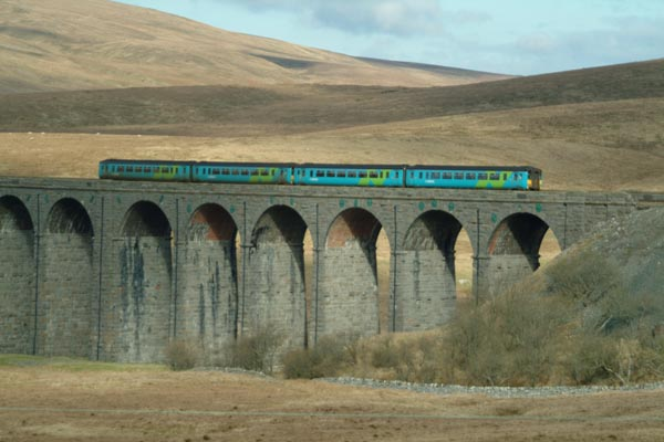 Picture of Ribblehead viaduct - Free Pictures - FreeFoto.com