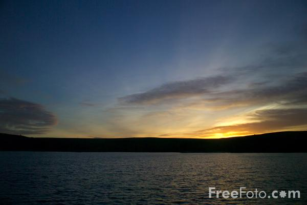 Picture of Sunset, Lockwood Beck Reservoir - Free Pictures - FreeFoto.com
